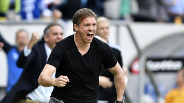 TOR zum 2 1 duch Nadiem Amiri TSG 1899 Hoffenheim Torjubel bei Trainer Coach Julian Nagelsmann TSG 1