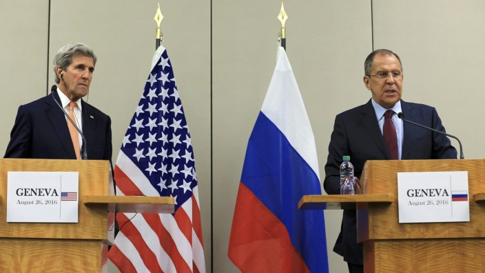 Kerry and Lavrov attend a news conference in Geneva
