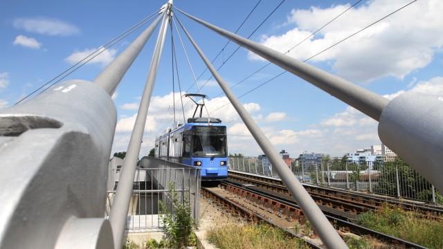 Straßenbahnbrücke in München, 2013