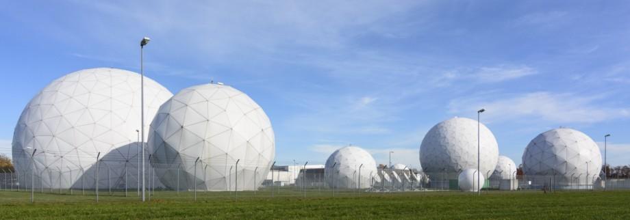 Radome der Abhörstation Fernmeldeverkehrstelle des Bundesnachrichtendiensts BND in Mietraching be