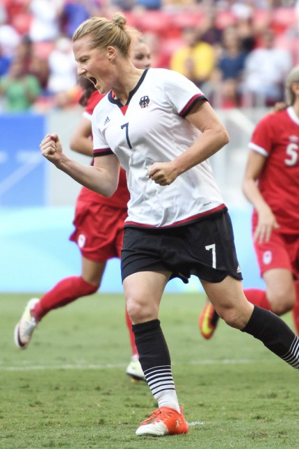 Rio 2016 Fußball Damen Deutschland Kanada 160809 GER Melanie Behringer Jubel nach dem 1 0; Melanie Behringer Frauenfußball Deutschland Olympia 2016 Bildbyran/Imago