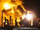 Inferno in Ölraffinerie (Bild)