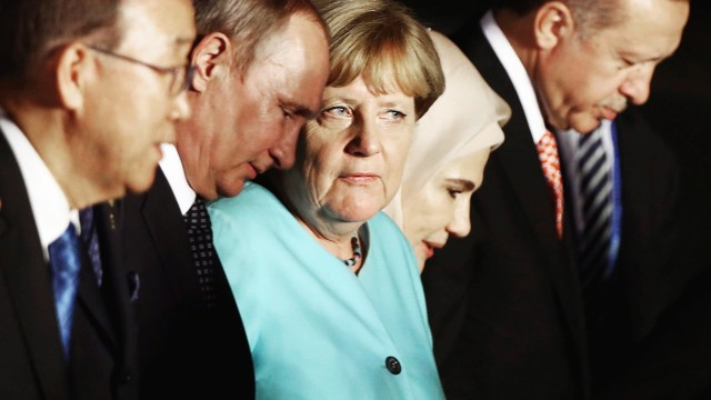 UN Secretary General Ban Ki-moon, Russian President Vladimir Putin, German Chancellor Angela Merkel, Turkish President Tayyip Erdogan and his wife Emine Erdogan attend the G20 Summit in Hangzhou