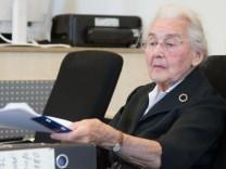 Prozess gegen Holocaust-Leugnerin Ursula Haverbeck