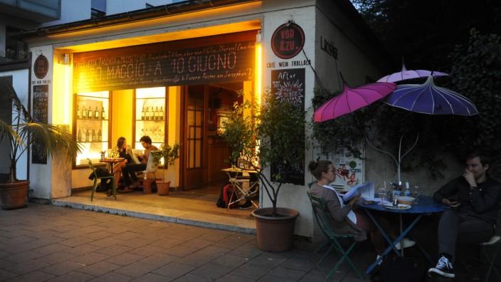 Munchen Maxvorstadt Die Bar Von Zu Antik Und Schon