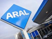 Aral rechnet mit anhaltend hohen Benzinpreisen