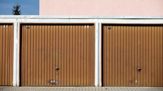 Olching: Garagen fuer Reihenhaussiedlung / Max-RegerStrasse