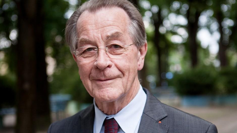"""Franz Müntefering (Präsident ASB Bundesverband) zu Gast bei âÄžWohnen im ViertelâÄœ, Zuhause versorgt âÄ"""" ein Leben lang. Karl-Preis-Platz 4"""