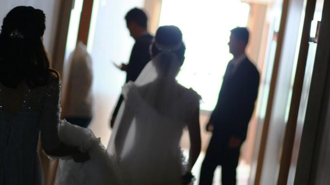Viele Frauen muslimischen Glaubens wollen rein, also als Jungfrau, in die Ehe gehen. (Foto: imago)