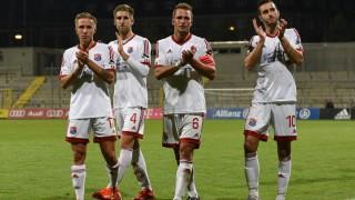 v li Luca Marseiler Unterhaching 17 Alexander Winkler Unterhaching 4 Ulrich Taffertshofer U; Fußball