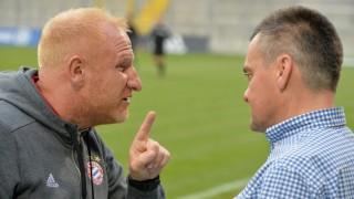 Heiko Vogel Trainer FC Bayern Muenchen II Manfred Schwabl Praesident SpVgg Unterhaching v li