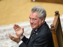 Austrian outgoing President Heinz Fischers retirement ceremony in