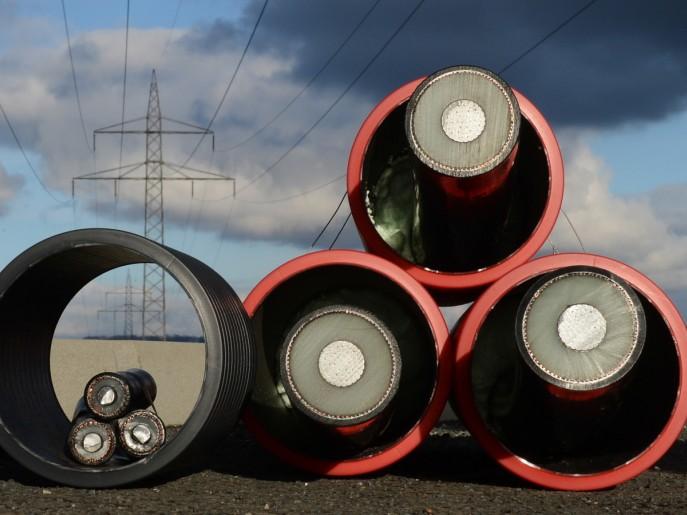 Stromtrassen in Bayern Warum Aigner niedrigere Kosten für Stromautobahnen angibt