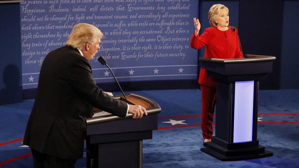 Umfragen sehen Clinton als Gewinnerin - Trump klagt über kaputtes Mikrofon
