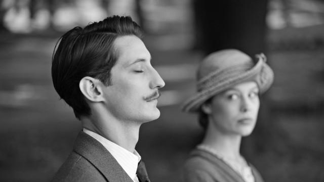 """Anna (Paula Beer)und Adrien (Pierre Niney) in """"Frantz"""""""