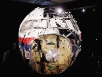 ***BESTPIX*** Dutch Safety Board Issue Their Findings On The MH17 Air Disaster
