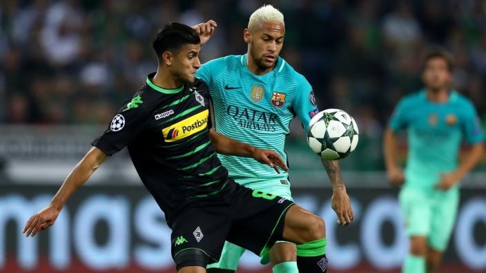 VfL Borussia Moenchengladbach v FC Barcelona - UEFA Champions League