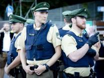 München: WIESN / Oktoberfest - Reportage Polizei im Einsatz