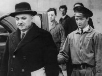 Iwan Maiski bei seiner Ankunft in Paris, 1939