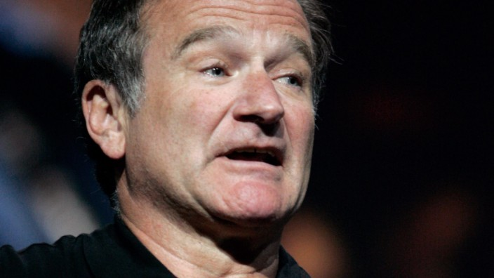Robin Williams performs during Consumer Electronics Show in Las Vegas