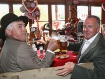 FC Bayern visits the Munich Oktoberfest
