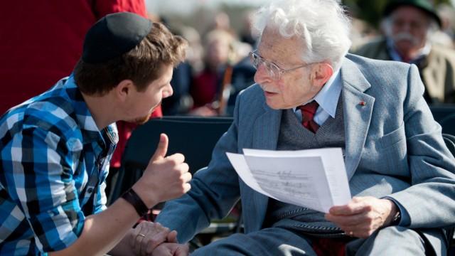 Gedenkfeier in Bergen-Belsen
