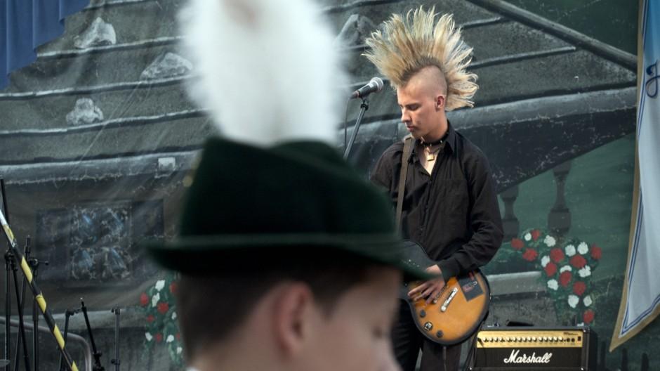 Germering: Bierzelt meets Punk - Band-Wettbewerb am Volksfest