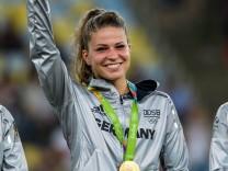 Rio 2016 Fußball Damen Deutschland ist Olympiasieger Melanie Leupolz GER 16 im Finale bei den o