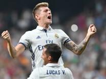 Fußball Toni Kroos sichert Sieg von Real Madrid gegen Celta de Vigo Toni Kroos Real Madrid celebr