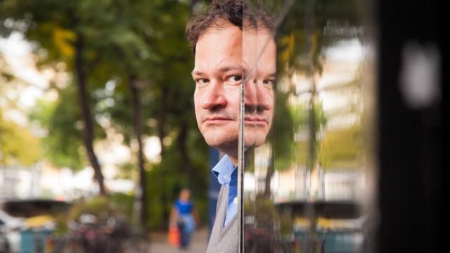Thomas Melle Schriftsteller fotografiert am 29 September in Berlin Kreuzberg