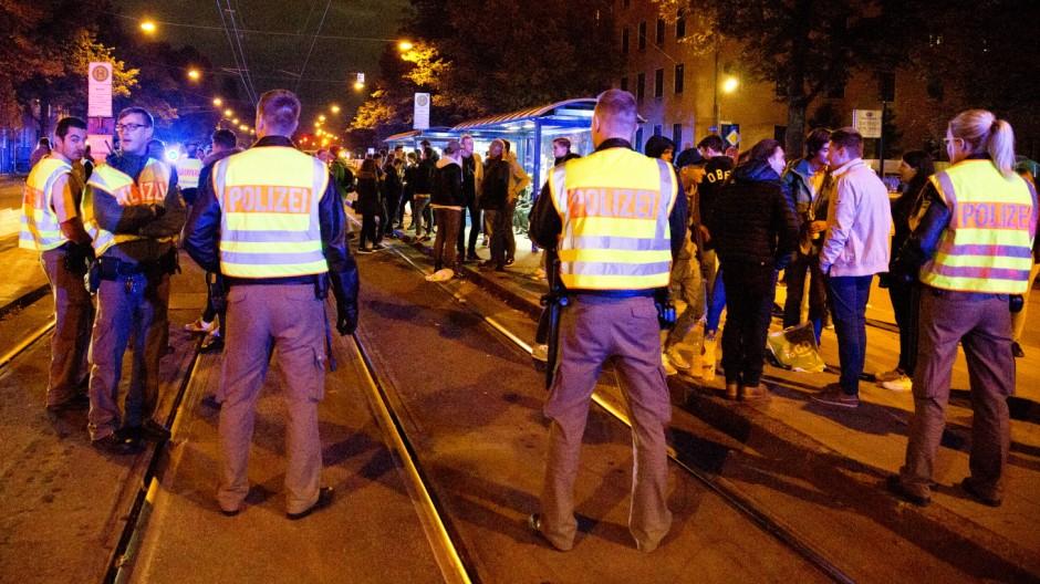 München:  Entgleiste Facebook-Party mit Polizeieinsatz