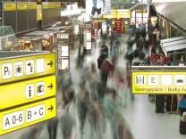 Passagiere auf dem Flughafen