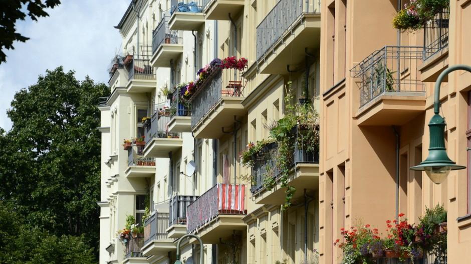 immobilienpreise steigen noch schneller als im vorjahr wirtschaft s. Black Bedroom Furniture Sets. Home Design Ideas