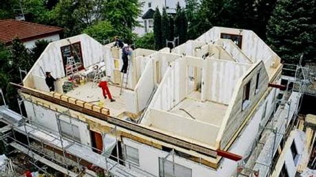 Kleine Häuser wie kleine häuser größer werden eins drauf gesetzt geld