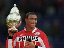 Ronaldo celebrates with the trophy after winning the Dutch Cup final between Sparta Rotterdam and PS; ronaldo eindhoven