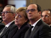 Germanb Economy Minister Gabriel, European Commission President Juncker, German Chancellor Merkel and French President Hollande attend a Franco-German digital summit at the Elysee Palace in Paris