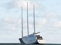 Größte Segel-Yacht derWelt auf Probefahrt