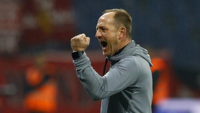 Eintracht Braunschweig v 1. FC Kaiserslautern - Second Bundesliga