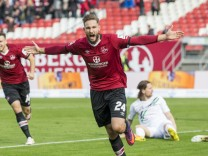 1. FC Nuernberg v Hannover 96 - Second Bundesliga