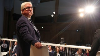 Bundesaußenminister Steinmeier diskutiert mit Jugendlichen