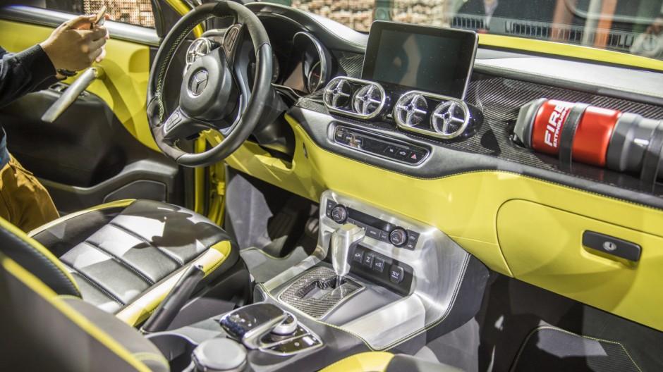 Auto cockpit mercedes  Mercedes X-Klasse - Auch das knallgelbe Cockpit ist - Mercedes ...