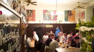 Bar Simplicissimus Im Wohnzimmer Von Haidhausen Munchen