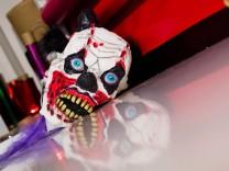 Kostüm-Fachgeschäft 'Horror-Clowns'