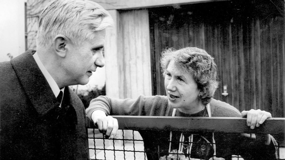 Maria Ratzinger: Die Schwester von Papst Benedikt XVI. - Bayern -  Süddeutsche.de
