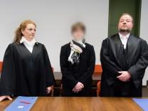 Prozess gegen Hebamme wegen versuchten Mordes