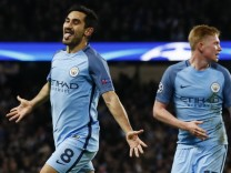 Manchester City v FC Barcelona - UEFA Champions League Group Stage - Group C