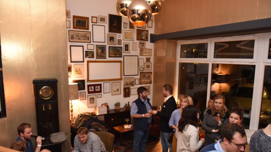 Bar Holzkranich Weggehen Im Wohnzimmer Des Zugvogels