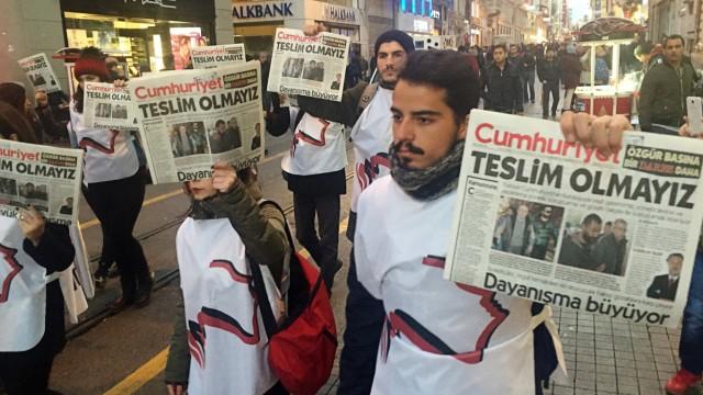 Zeitung Cumhuriyet - 'Wir geben nicht auf'