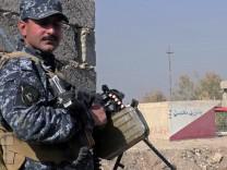 Irakischer Polizist in Hammam Al-Alil