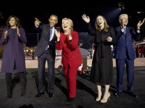 Hillary Clinton, Michelle Obama, Barack Obama, Chelsea Clinton, Bill Clinton